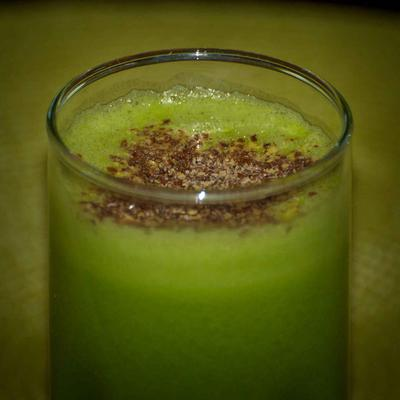 Green Goddess Juice with Cinnamon